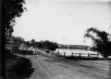 Langsville Bridge at Auchenflower, ca.1910. (State Library of Queensland, Negative no. 118279)